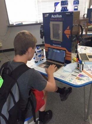 Temple Students Working in the New Stem Lab